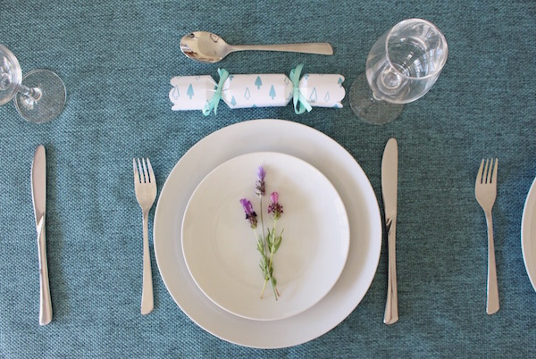 Christmas Cracker place setting