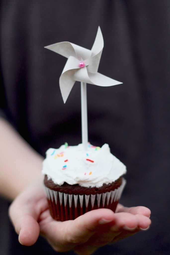 Paper windmill Cupcake topper