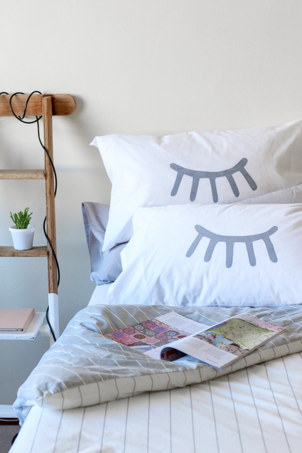 DIY eye stencil pillowcase (+free stencil download)
