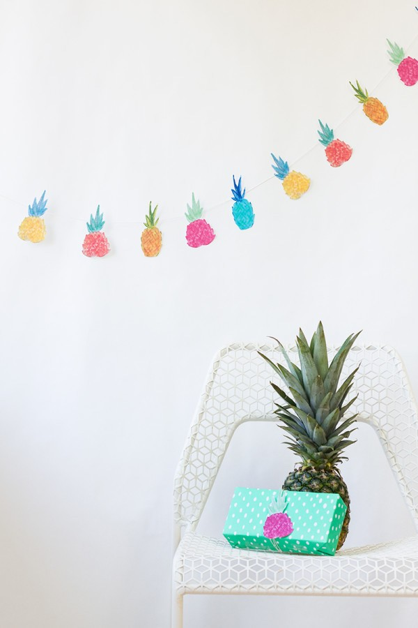 12 Awesome Pineapple DIY Projects and Free Printables // Pure Sweet Joy