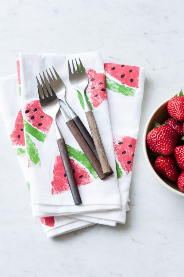 12 Lovely Free Watermelon DIY Projects & Printables, including these painted napkins // Pure Sweet Joy