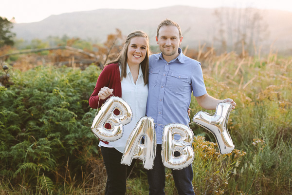Baby Announcement photo using balloons // We're having a baby!