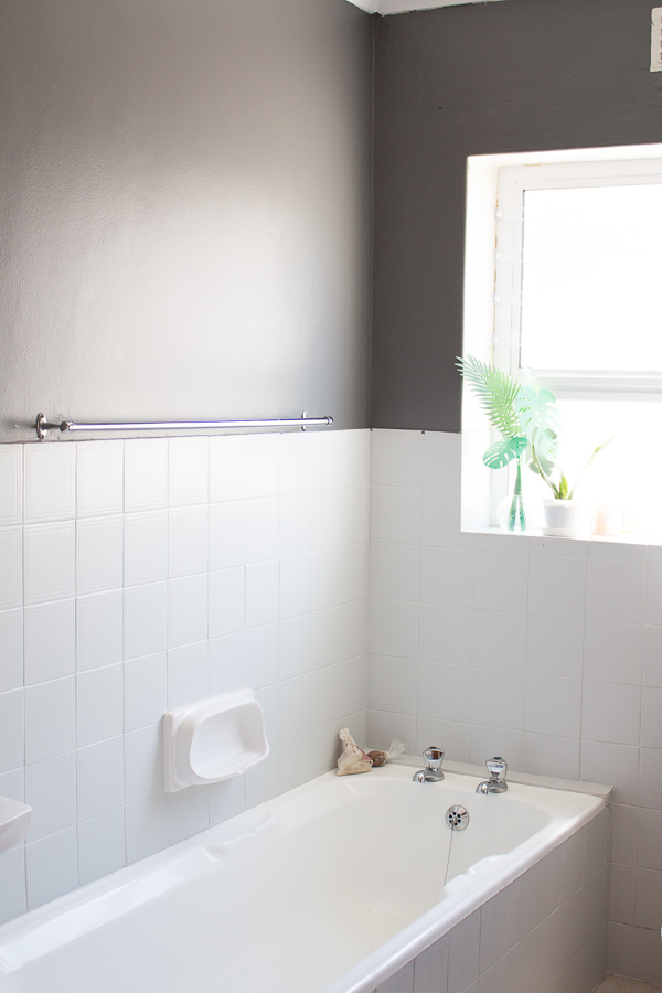 Make your bathroom awesome by avoiding the mistakes we made! 4 simple tips from our bathroom makeover