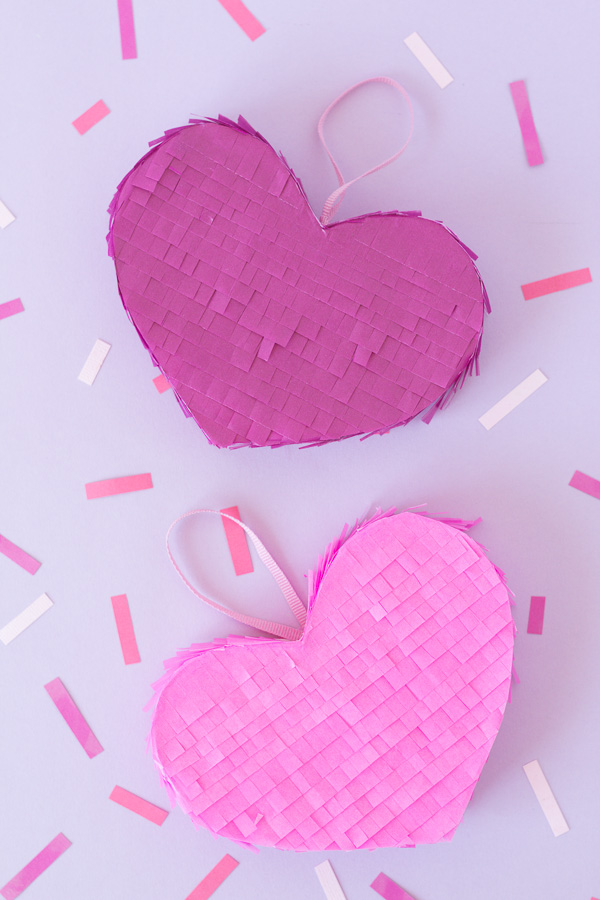 Add a little fun with this mini heart pinata. Fill it with your favourite treats, secret messages or confetti to turn it into a Valentine's Day gift DIY.