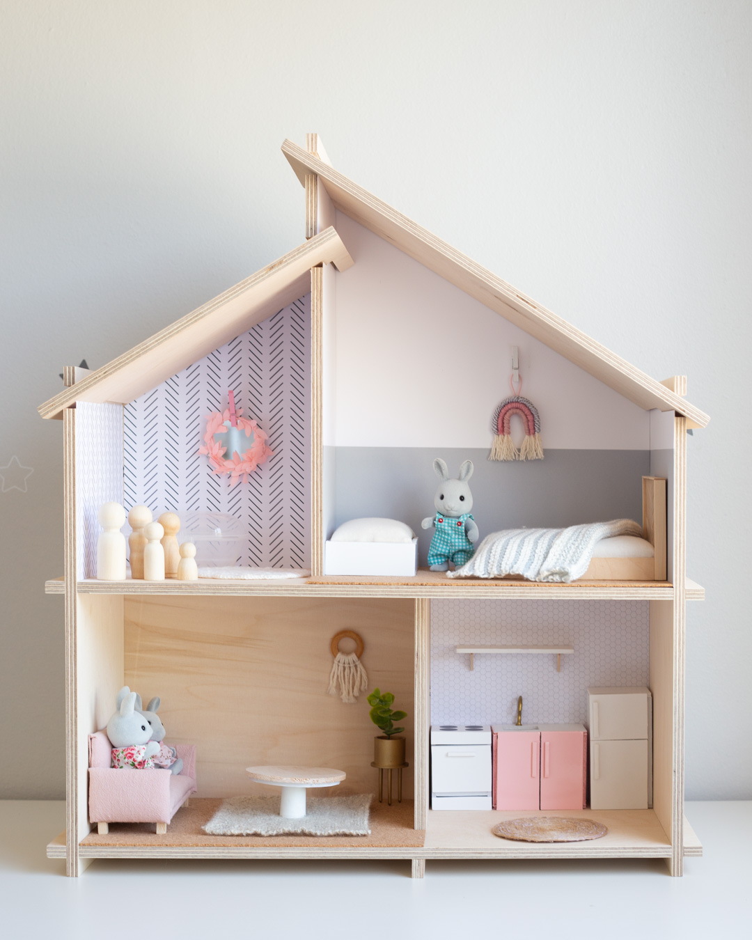 DIY Dollhouse bed and furniture made from popsicle sticks 1-12 scale