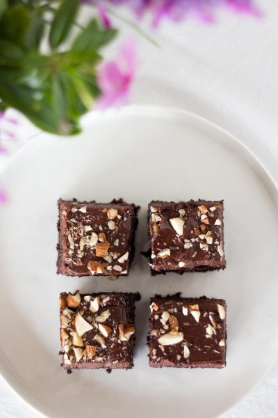 Moist Chocolate Brownies. Easy Chocolate Sheet Cake with nuts