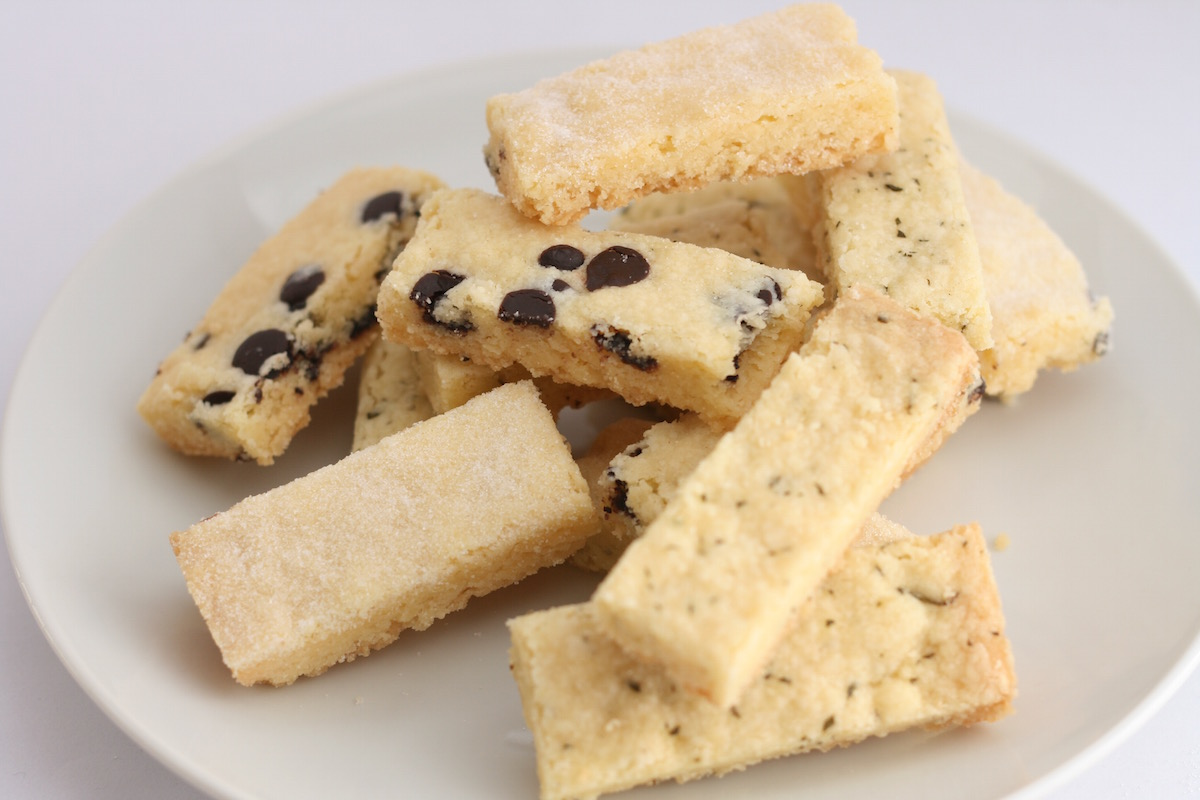 Shortbread with chocolate, rosemary and hazelnut variations // recipe