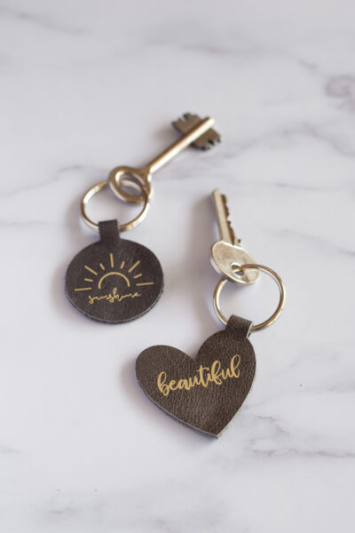 Leather Keyrings // DIY with Cricut